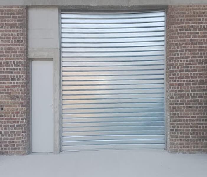 Comment ouvrir manuellement un rideau métallique ?